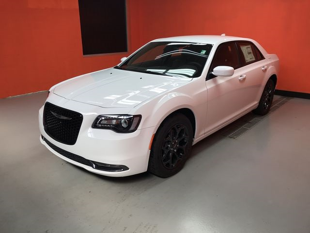 Chrysler 300 S >> New 2019 Chrysler 300s Awd